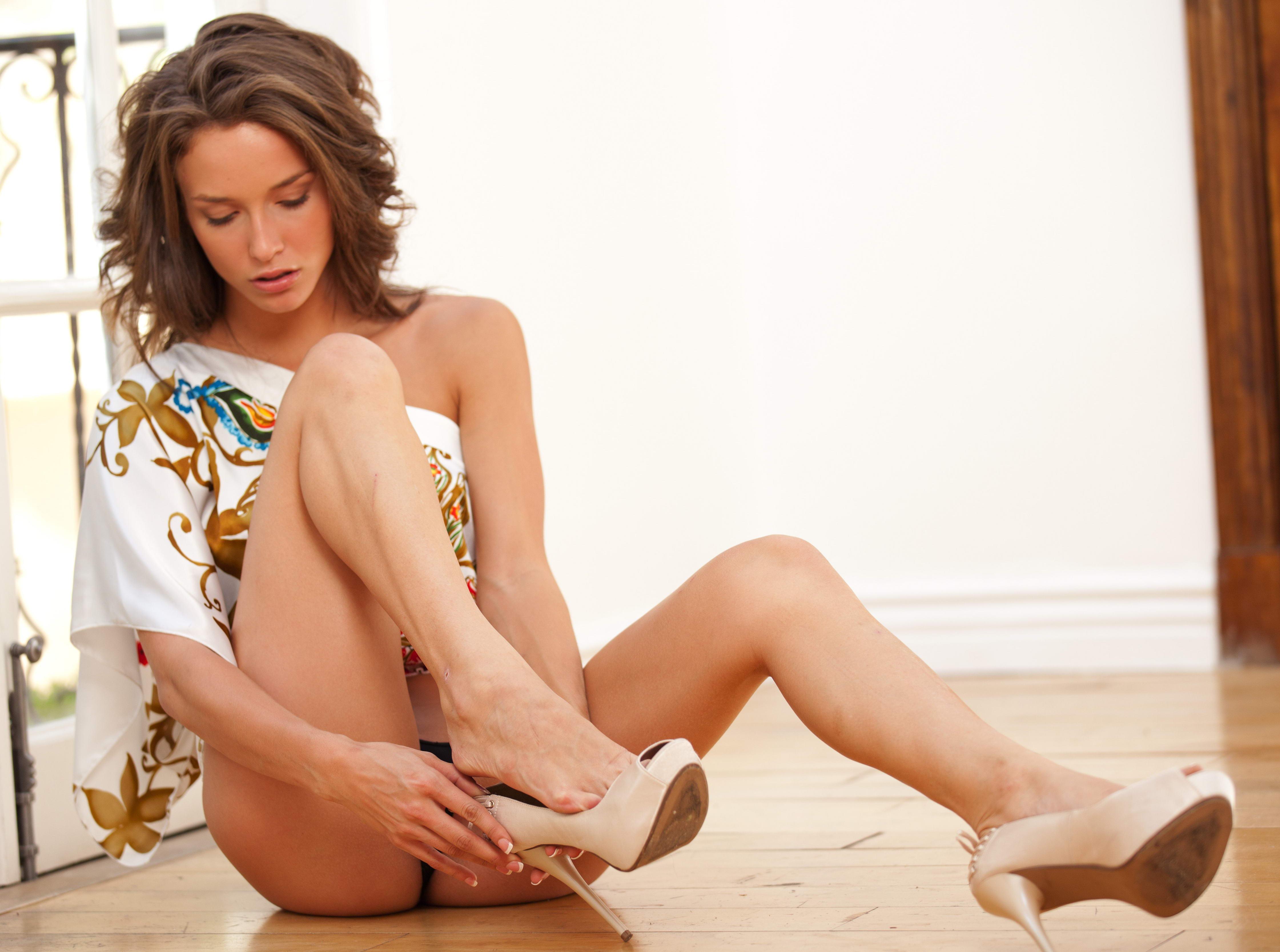 Cheap London Escorts in Sexy High Heels